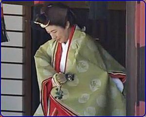 雅子さま伝統装束