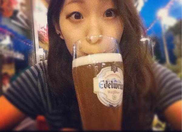 野口啓代 2012年 ビールとともに